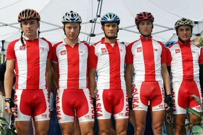 Red_bike_shorts_revealing_too_much